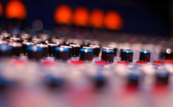 Audio-Equipment-Tilt-Shift