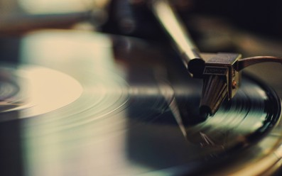 Old-School-Vinyl-HD-Wallpaper