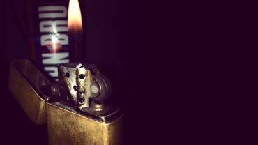 burning-Zippo