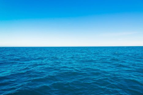 Endless-Blue-Sea-Desktop-Wallpaper