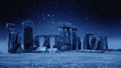 Stonehenge-by-Night-Destkop-Background