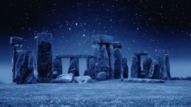 Stonehenge-by-Night-Destkop-Background