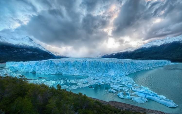 Blue-Melting-Glacier