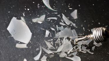 Shattered-Light-Bulb-Wallpaper