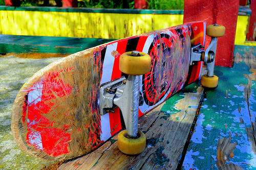 colourful-skate-board-art-used