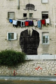 wall-painting-stash-clothes