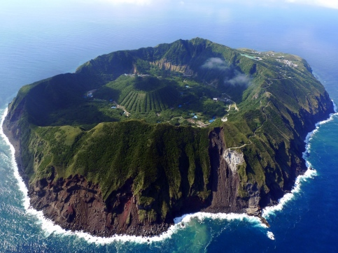 island-paradise-atol-untouched