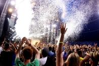 life-music-crowds