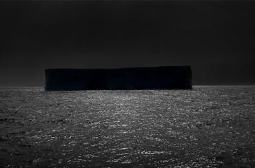 dark-shape-black-white-sea