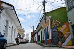La-Bascula-Mural-San-Antonio-Cali-Colombia